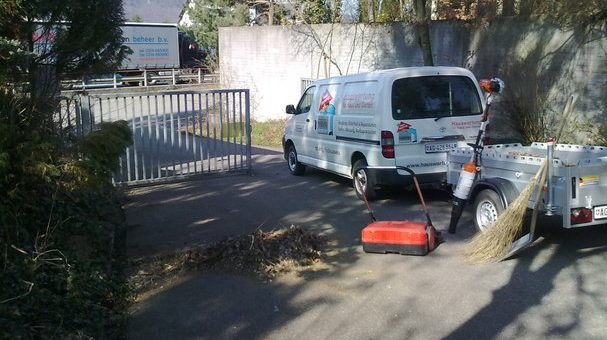 Geschützt: Reinigen eines Hartbodenbelages