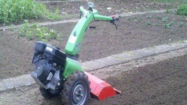 Geschützt: Boden auflockern mit einem Bodenbearbeitungsgerät 2