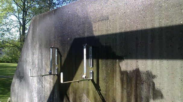 Geschützt: Schmutzige Betonwand mit Hochdruck reinigen 1